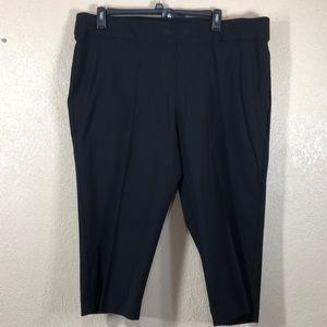 EVRI Pants Capris Black NWT 20W Mid Rise Stretch
